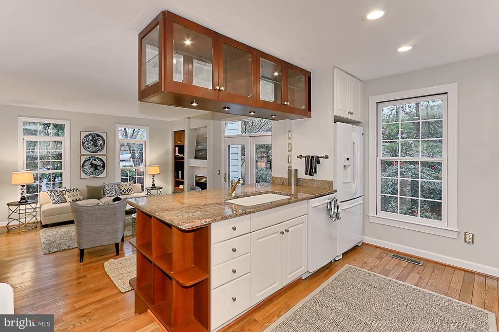 Kitchen - 2100 21ST RD N, ARLINGTON
