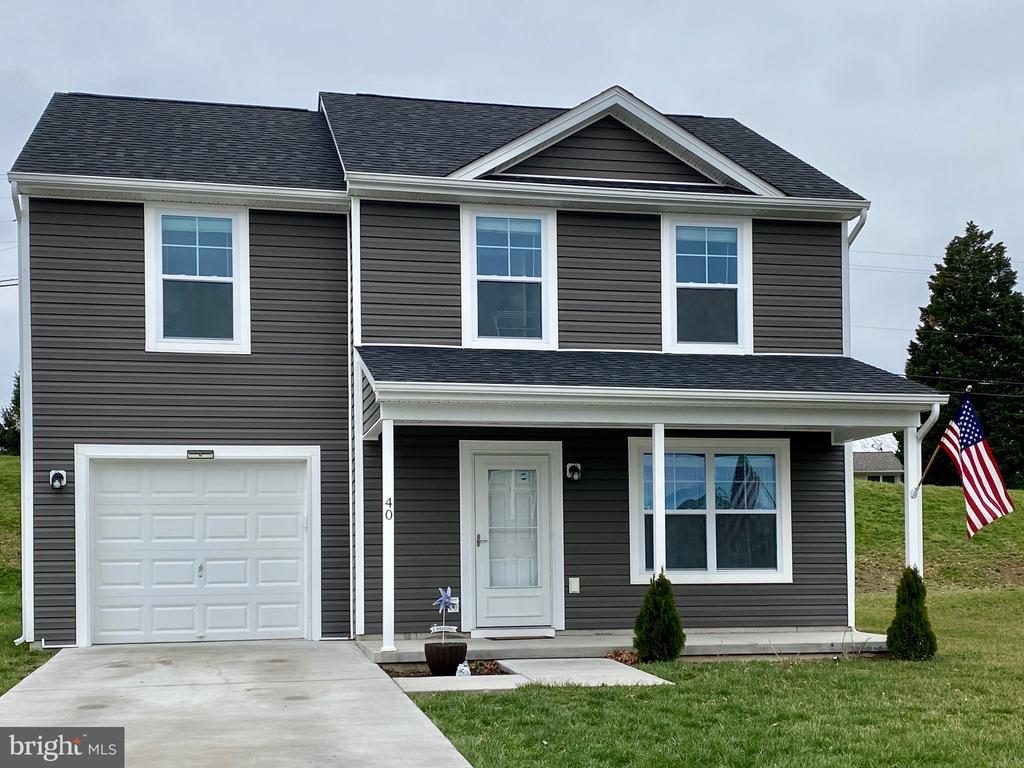 Welcome Home! - 40 BETTS WAY, MARTINSBURG