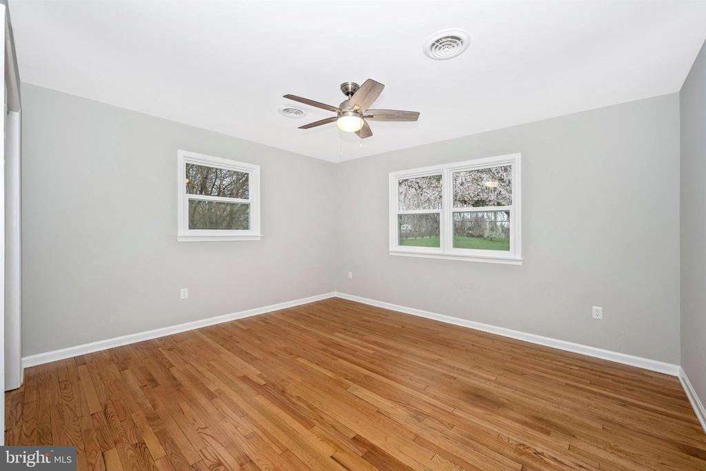 Master Bedroom - 8846 MAPLEVILLE RD, MOUNT AIRY