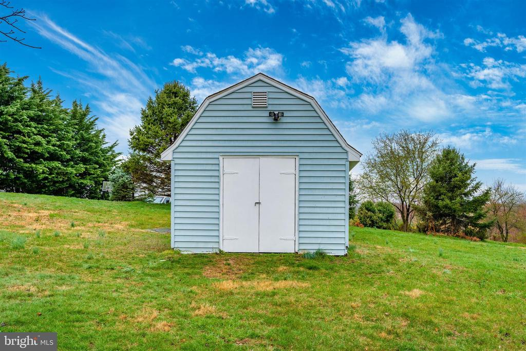 Exterior Rear/Shed - 8846 MAPLEVILLE RD, MOUNT AIRY