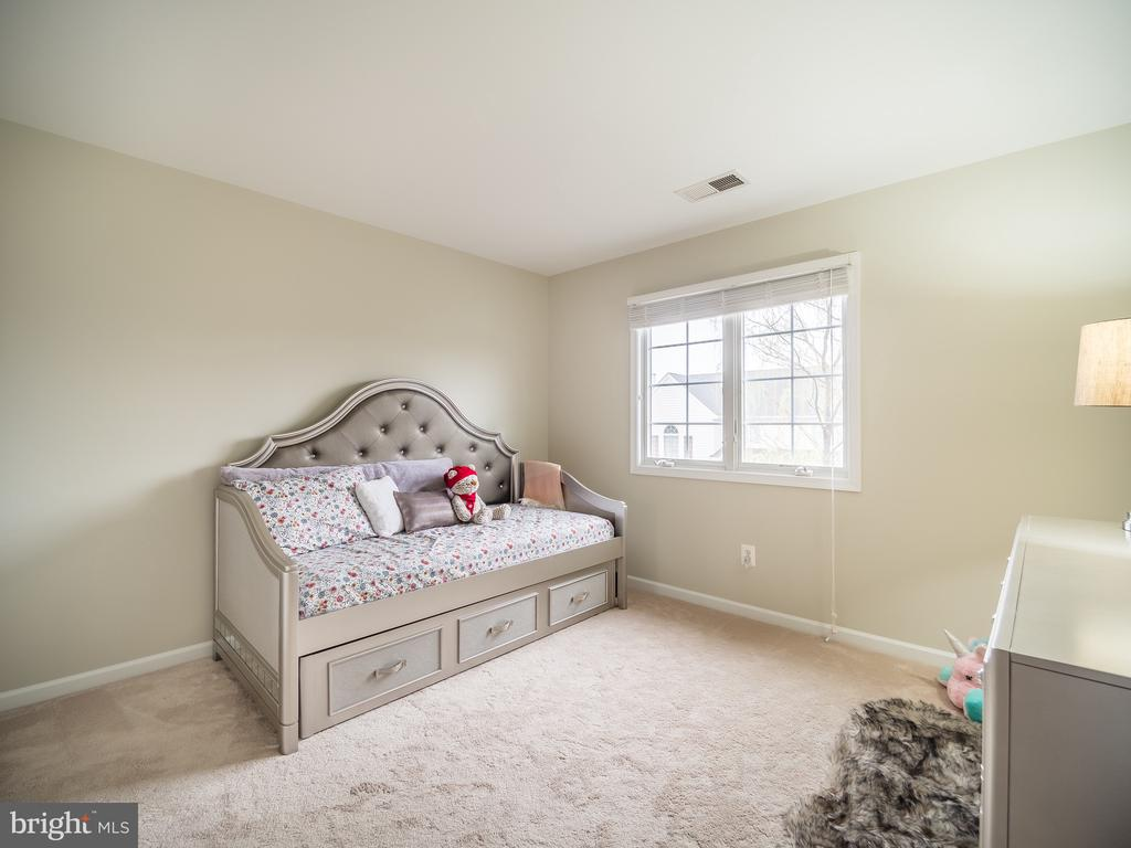 Bedroom 2 - 43075 BARONS ST, CHANTILLY