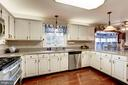 Remodeled Kitchen - 18901 FALLING STAR RD, GERMANTOWN