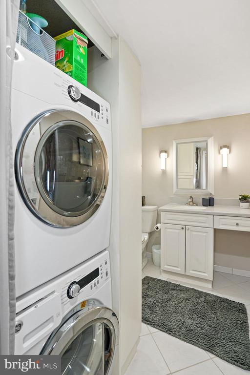 Laundry - 3800 FAIRFAX DR #1014, ARLINGTON