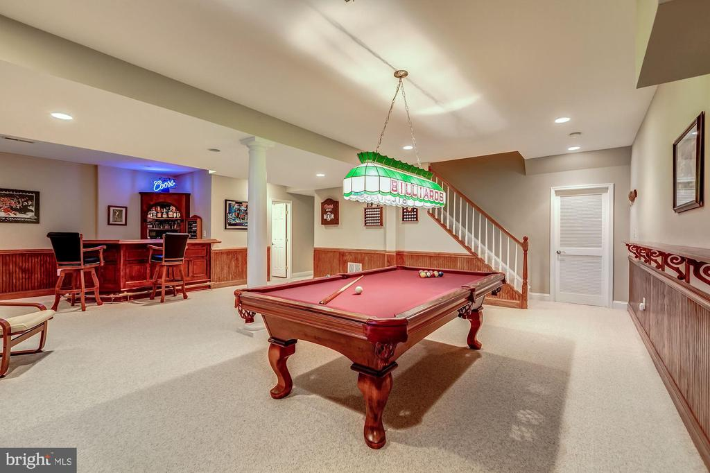 Great Space for Fun - 20024 VALHALLA SQ, ASHBURN