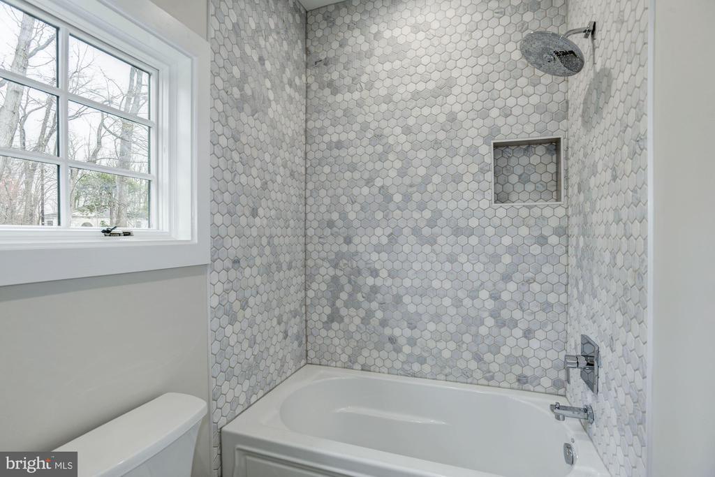 Beautiful tiling Bathroom #4 - 1916 RHODE ISLAND AVE, MCLEAN
