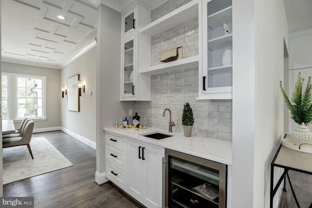 Butlers pantry with beautiful tiling & cabinets - 1916 RHODE ISLAND AVE, MCLEAN