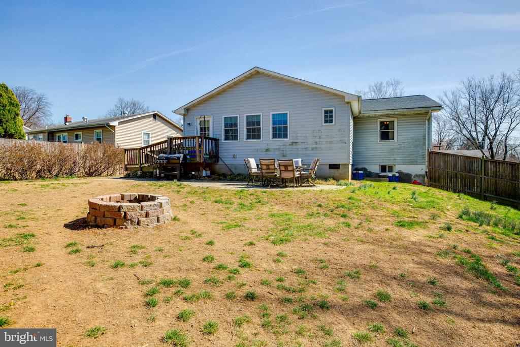 Large Backyard - 4713 TALLAHASSEE AVE, ROCKVILLE