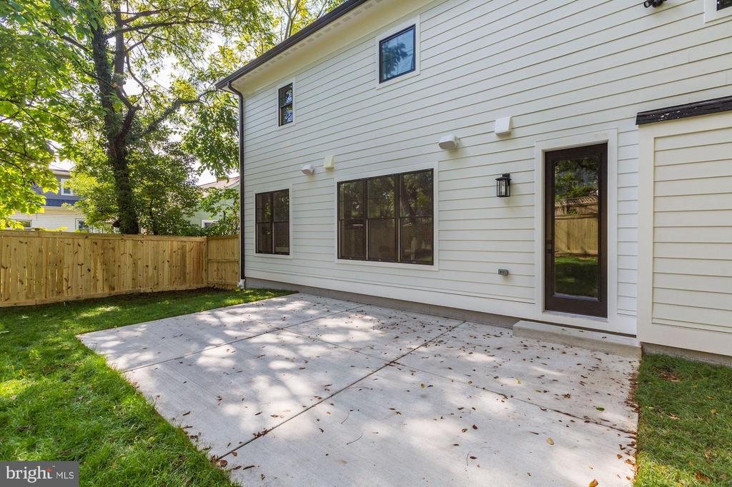 Photo of Similar Home by Same Developer - 603 RITCHIE AVE, SILVER SPRING
