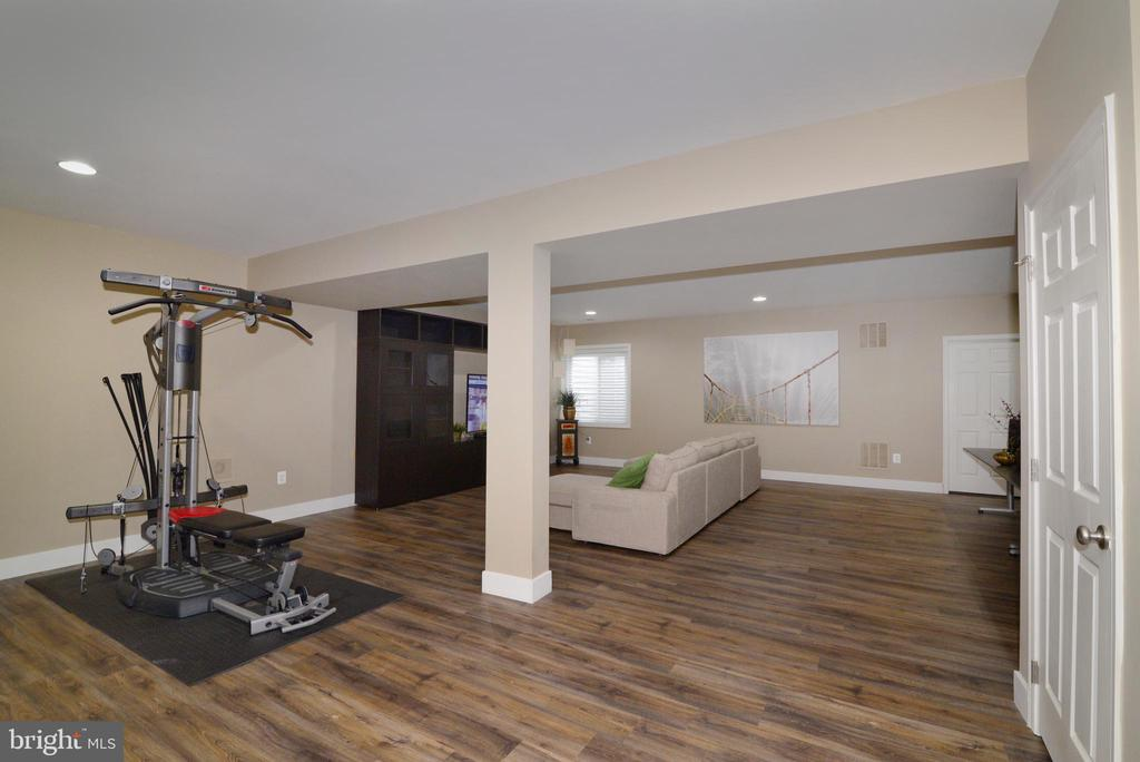 Basement Level with Tiled Floor - 22988 CHERTSEY ST, ASHBURN
