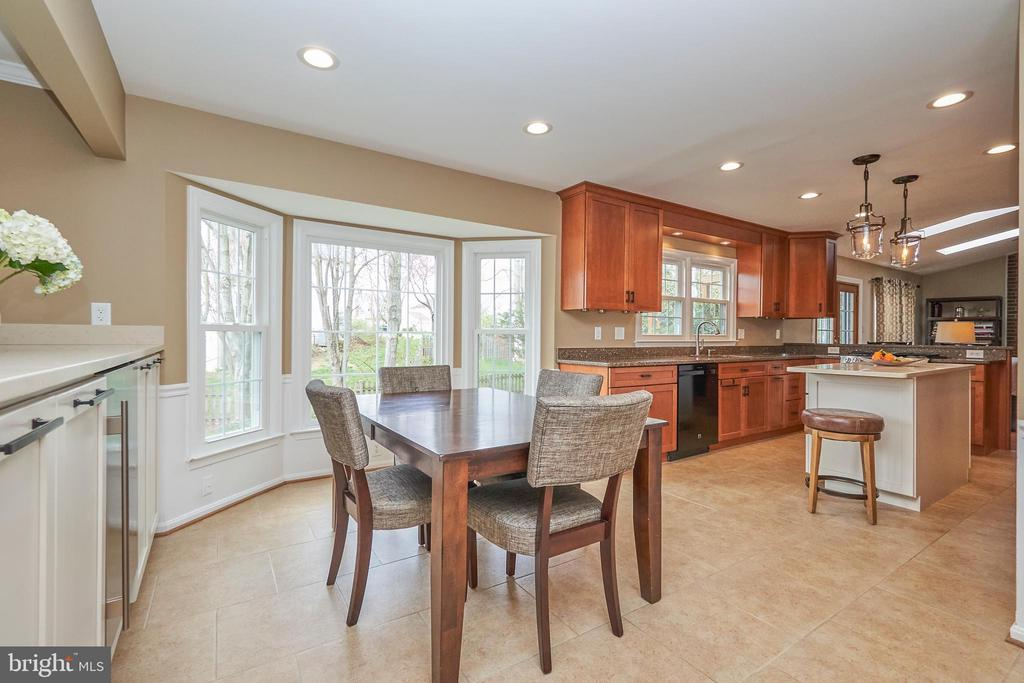 Large Breakfast Area - 13356 GLEN TAYLOR LN, HERNDON