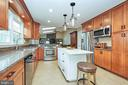 Kitchen Island - 13356 GLEN TAYLOR LN, HERNDON
