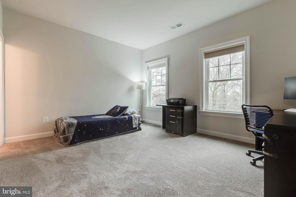 Upper Level Bedroom 4 - 23219 LUNAR HARVEST LN, ALDIE