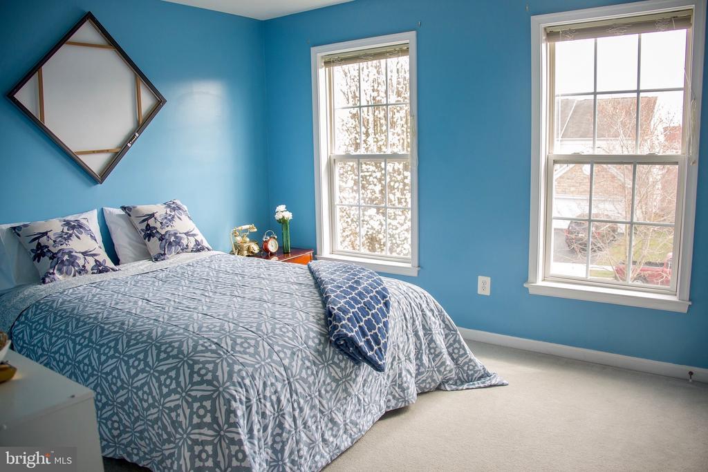 Bedroom 2 closest to master - 9 JENNIFER LYNNE DR, KNOXVILLE