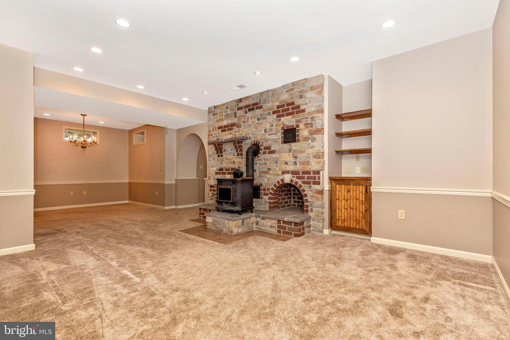 Finished lower level is amazing. - 7799 COBLENTZ RD, MIDDLETOWN