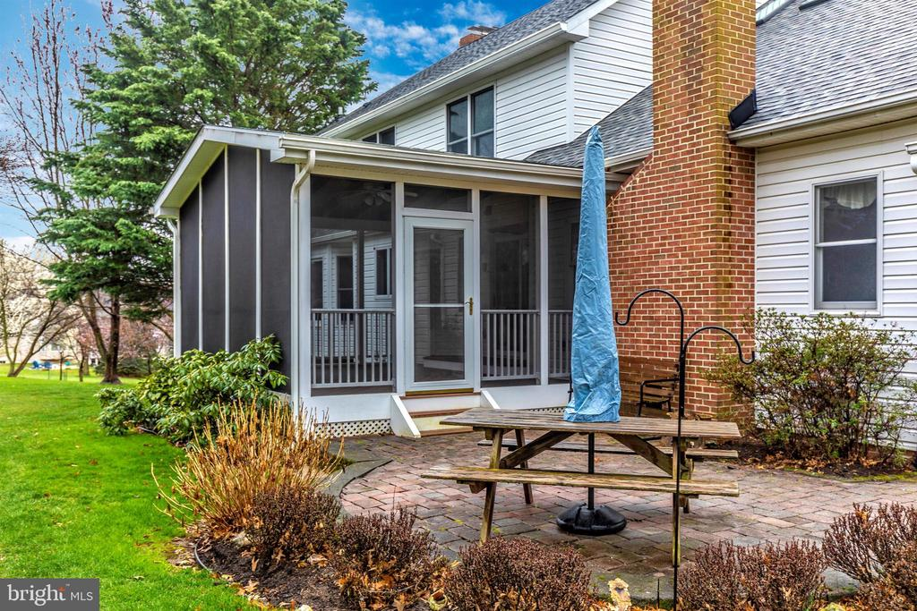 Patio is perfectly placed for outdoor dining. - 7799 COBLENTZ RD, MIDDLETOWN