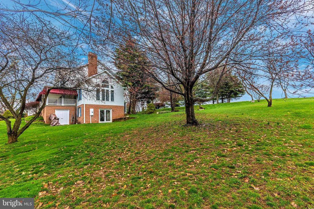 Another view of this amazing home. - 7799 COBLENTZ RD, MIDDLETOWN