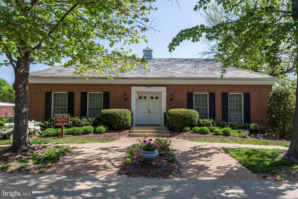 Fairlington Villages Amenities - 4722 30TH ST S, ARLINGTON