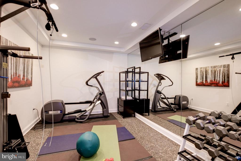 Exercise room in the lower level - 6804 BROXBURN DR, BETHESDA