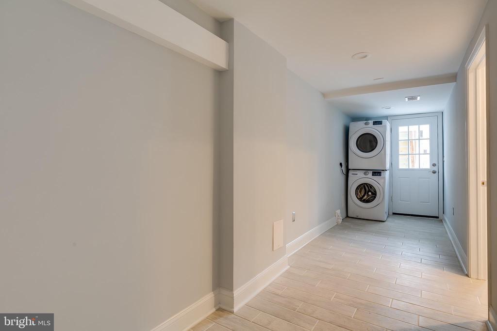 Lower Level Hallway - 1215 TRINIDAD AVE NE, WASHINGTON