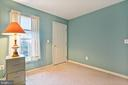 LIGHT AND BRIGHT IN EVERY ROOM - 202 JENNINGS CT SE, LEESBURG