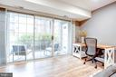 Wall of windows-sliders bring in natural light - 1948 KENNEDY DR #101, MCLEAN