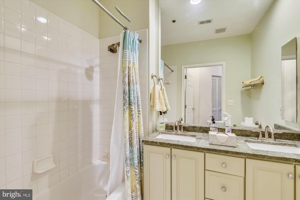 Update bathroom - 1321 N ADAMS CT #308, ARLINGTON