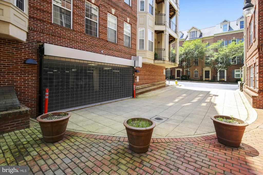 Garage access - 1321 N ADAMS CT #308, ARLINGTON