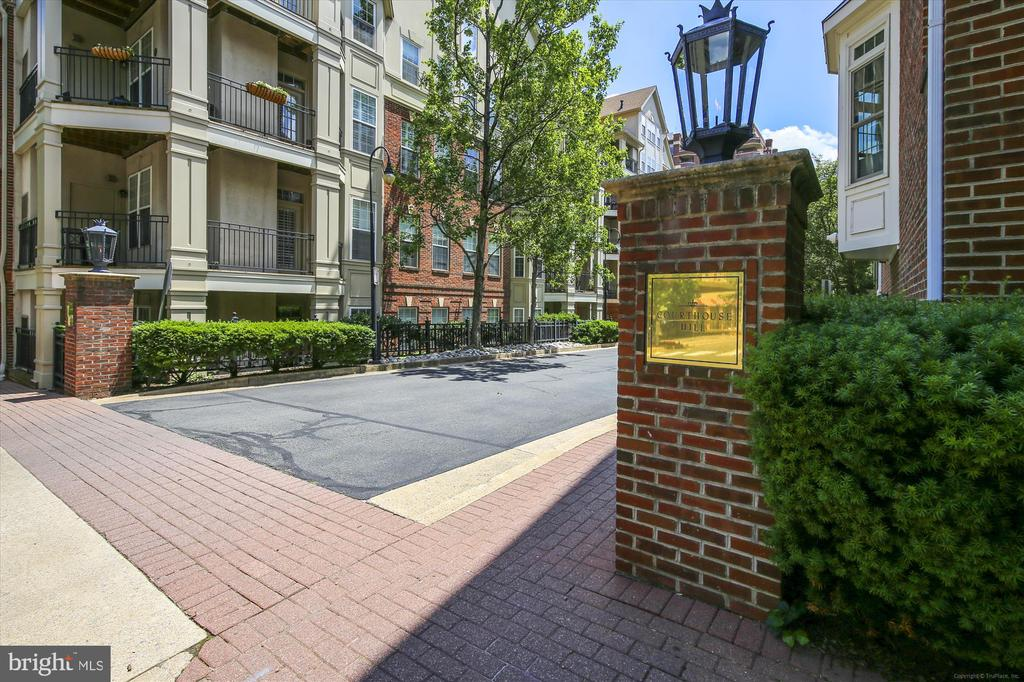 Courthouse Hill - 1321 N ADAMS CT #308, ARLINGTON