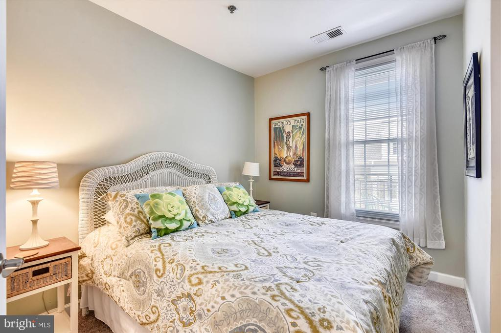 Bedroom two with brand new carpet - 1321 N ADAMS CT #308, ARLINGTON