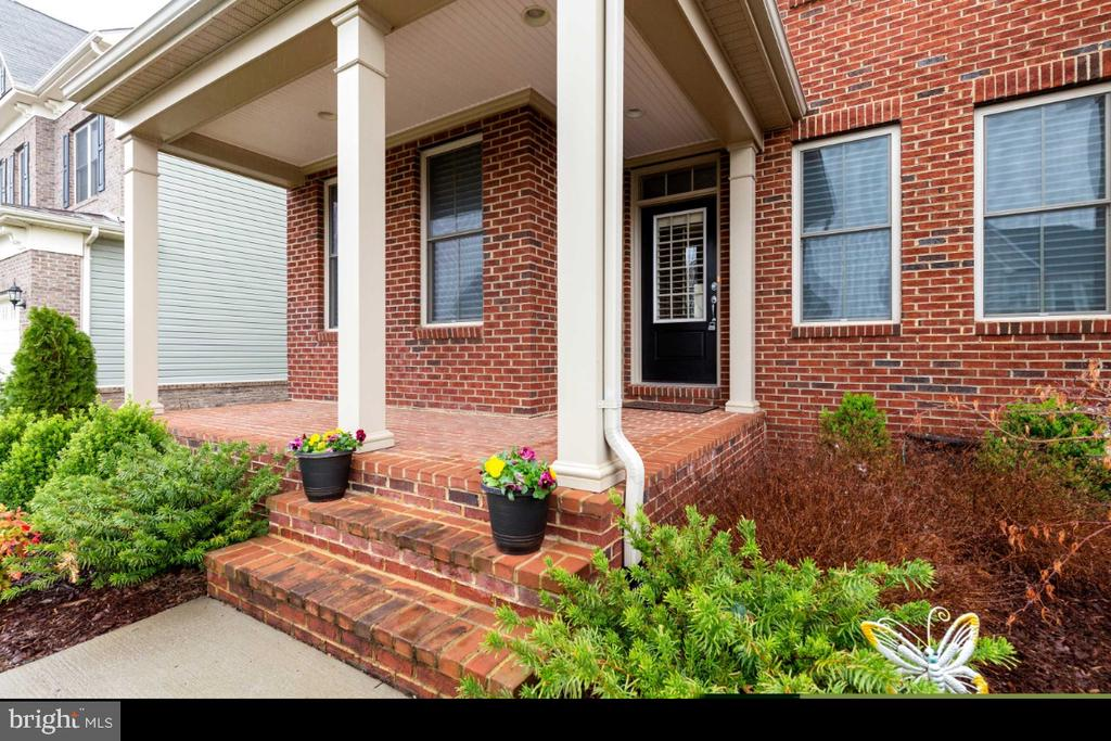 Brick Front Porch - 23578 PROSPERITY RIDGE PL, BRAMBLETON