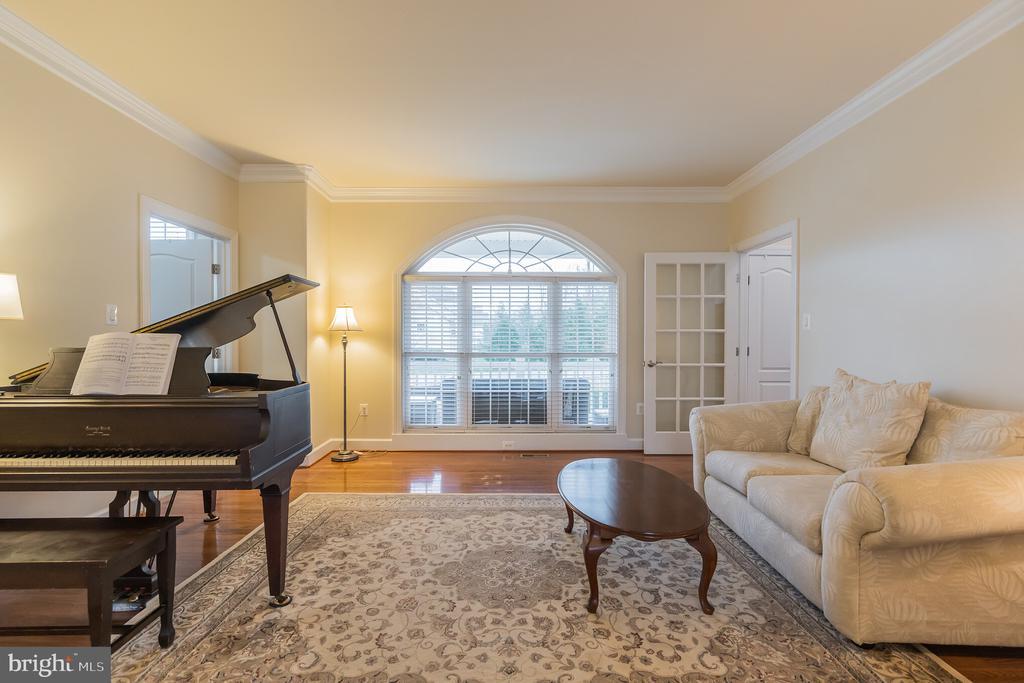 Grand formal living room - 29 HEMPSTEAD LN, STAFFORD