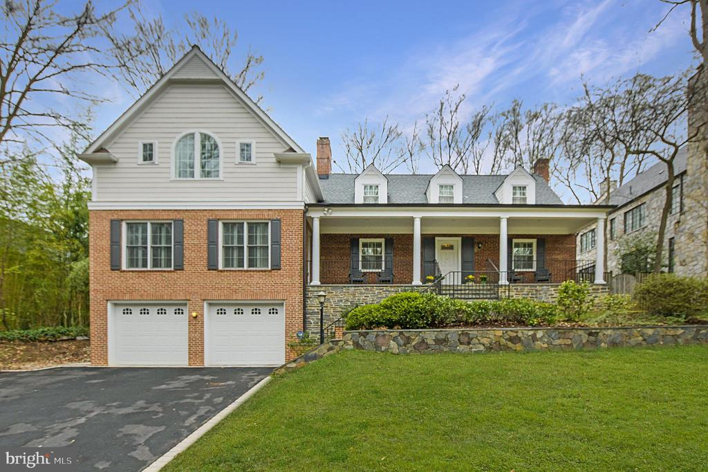 Welcome home! - 6804 BROXBURN DR, BETHESDA