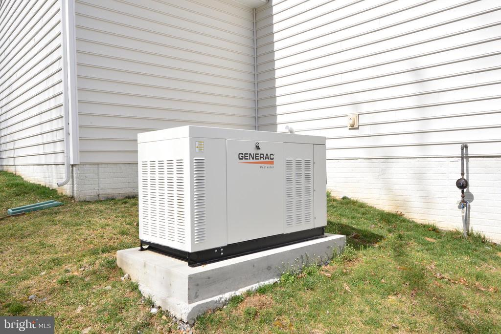 Whole house generator - 55 STONE OAK PL, ROUND HILL