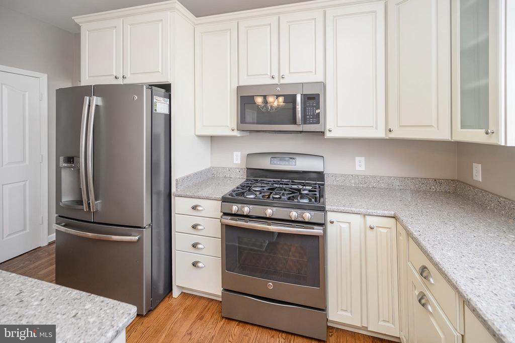 Upgraded Appliances - 6126 MARINEVIEW RD, KING GEORGE