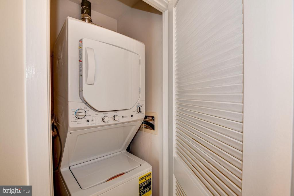 Washer & Dryer In the Condo Unit! - 910 M ST NW #525, WASHINGTON