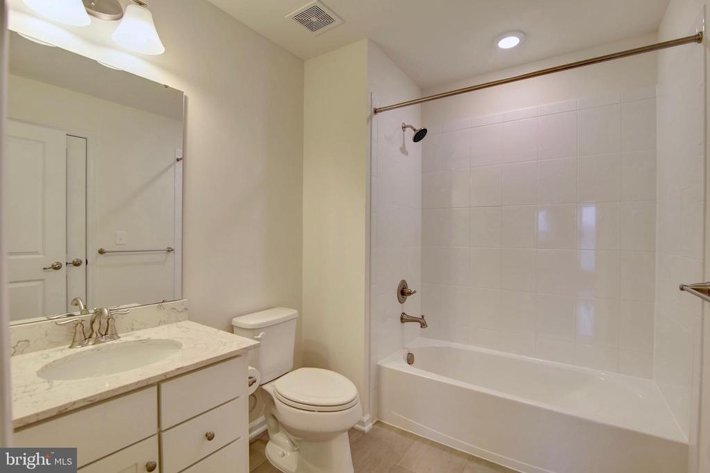 4th bathroom on 4th floor loft - 43400 THREE FORKS TER, ASHBURN