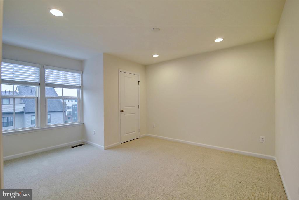 5th bedroom on 4th floor loft - 43400 THREE FORKS TER, ASHBURN