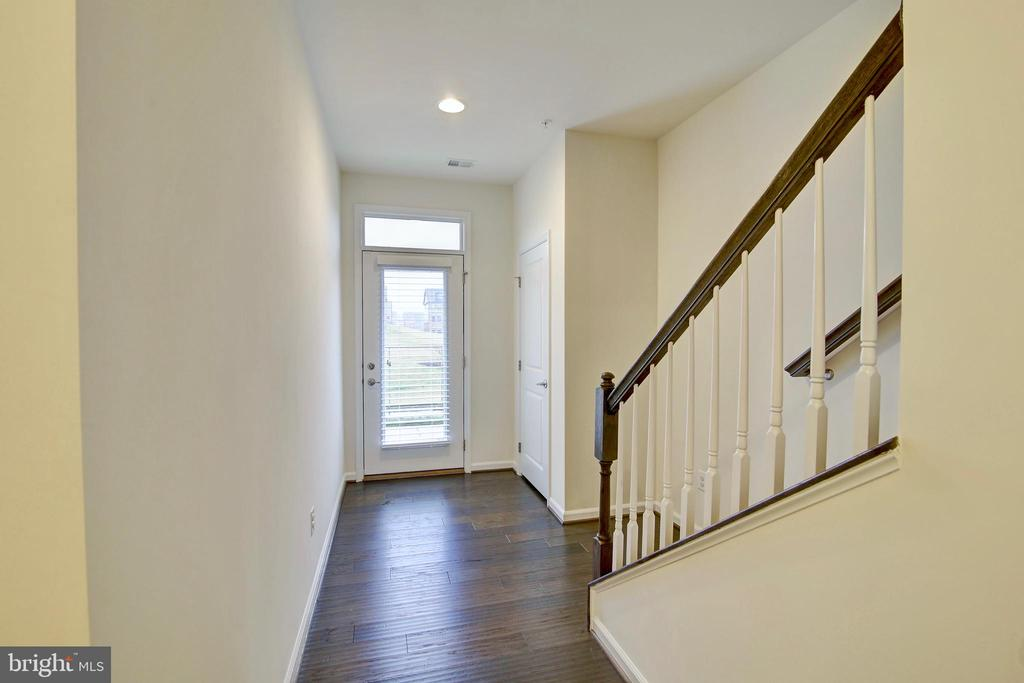 First floor foyer - 43400 THREE FORKS TER, ASHBURN