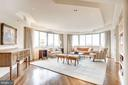 Oversized living room - 5600 WISCONSIN AVE #1408, CHEVY CHASE