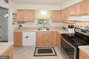 Plenty of counter space! - 1030-B MARGATE CT, STERLING