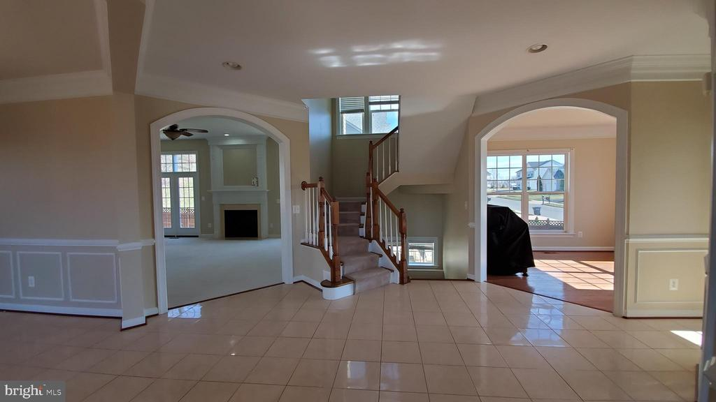 Main entrance foyer - 18805 PIER TRAIL DR, TRIANGLE