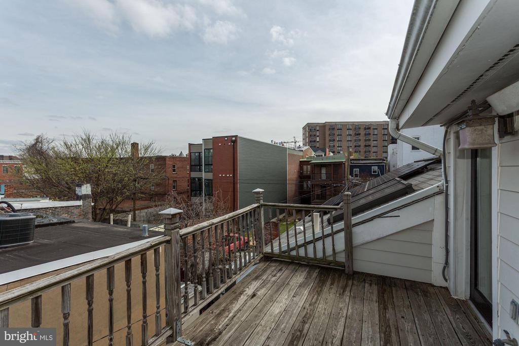 3rd Outdoor Space w/ Solar Panels - 420 RIDGE ST NW, WASHINGTON