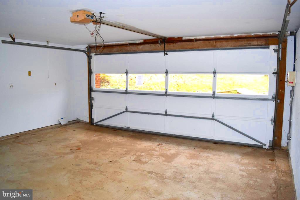 Basement Level - Two Car Garage - 6220 BELMONT RD, MINERAL