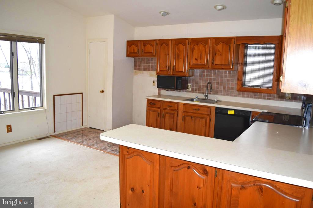 Main Level-Kitchen - 6220 BELMONT RD, MINERAL