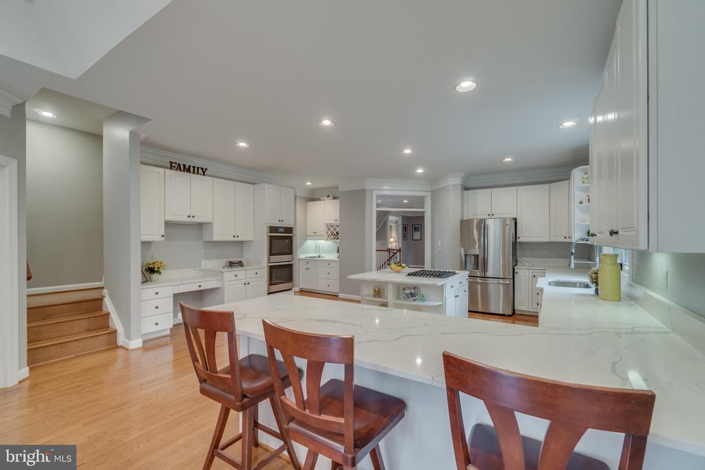 Kitchen - 20464 SWAN CREEK CT, STERLING