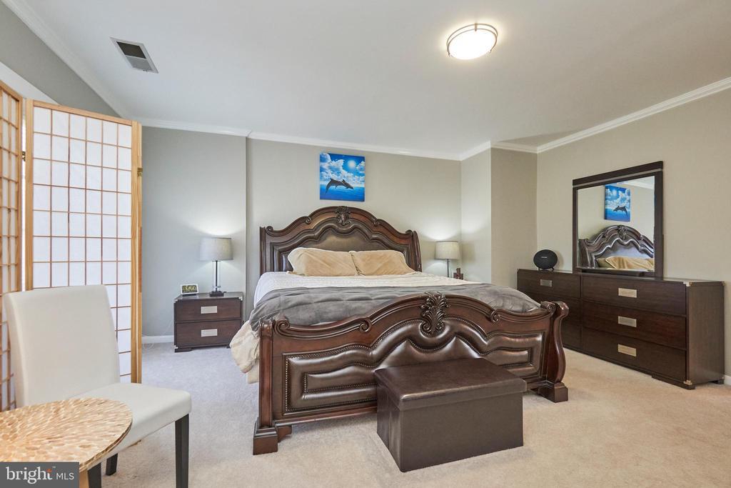 Master bedroom - 8932 ATATURK WAY, LORTON