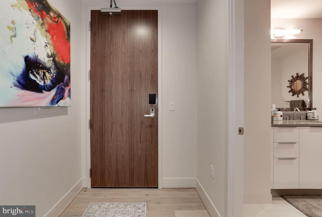 #704 Entry Foyer w/exquisite solid wood door - 45 SUTTON SQ SW #704, WASHINGTON
