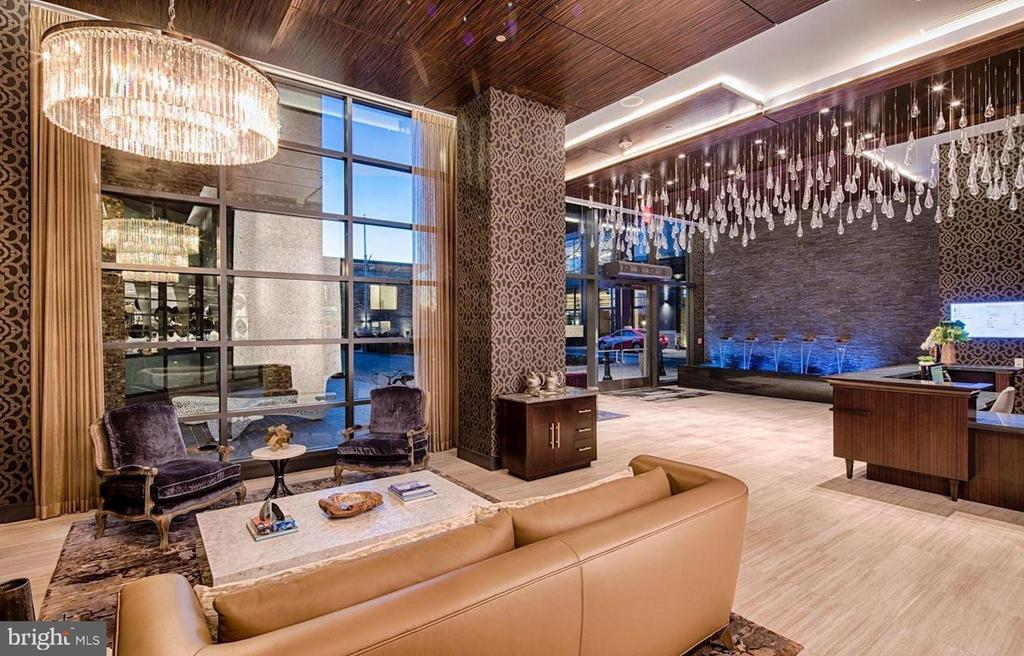 Stunning grand entry lobby - 45 SUTTON SQ SW #704, WASHINGTON