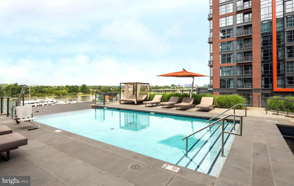 Take in the views relaxing by the pool - 45 SUTTON SQ SW #704, WASHINGTON