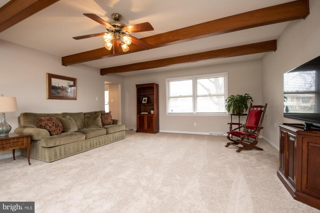 Family room - 7 PHILLIPS DR NW, LEESBURG